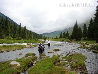 речка Алтын-Арашан