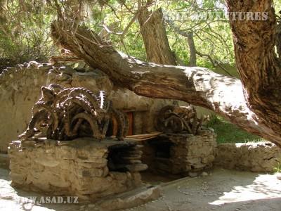 Алтарь святилища в Лянгаре