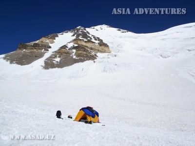 Лагерь 5500 м. на склоне пика Карла Маркса