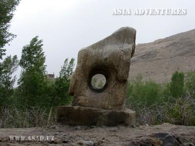 Удивительный камень Ямчун