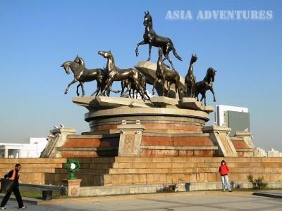 Turkmenian Akhaltekin horses monument , Ashgabat, Turkmenistan
