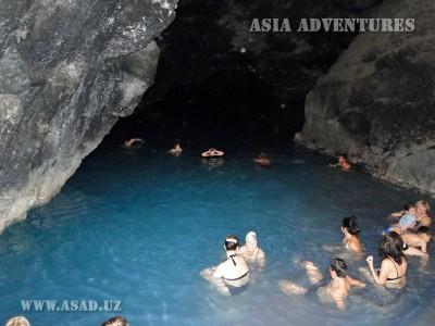 lake in the cave of Kov Ata