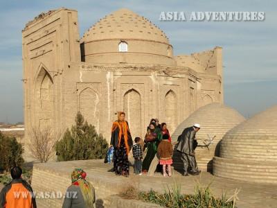 Pilgrims at the mausoleum of Sultan Ali, Old Urgench, Turkmenistan