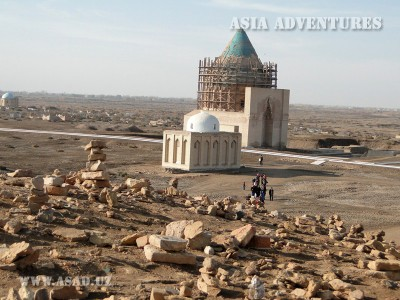 View of the Mausoleum of Sultan Tekesh, Old Urgench, Turkmenistan