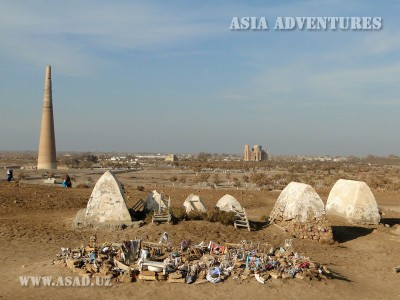 Вид на минорет Кутлуг Темур, Куня-Ургенч, Туркменистан