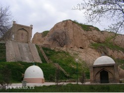 Hoja Daniyar mausoleum