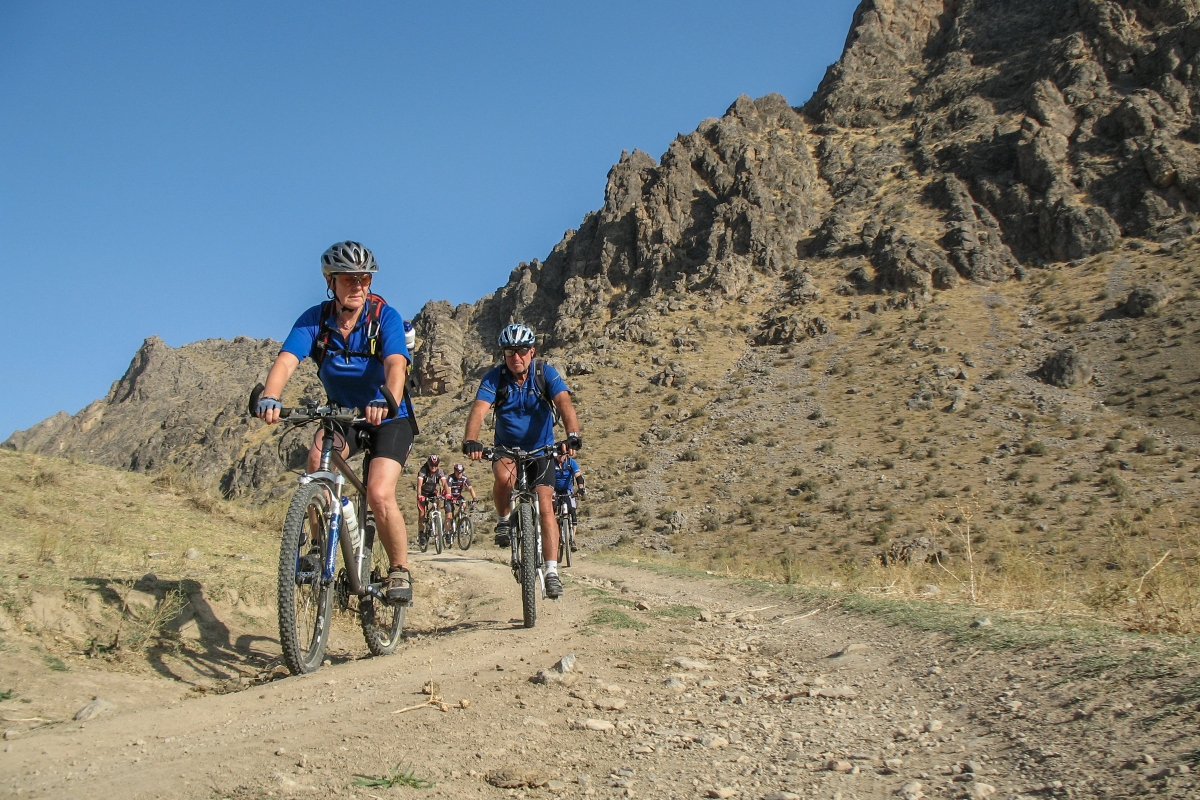 Biking and cycling in Uzbekistan